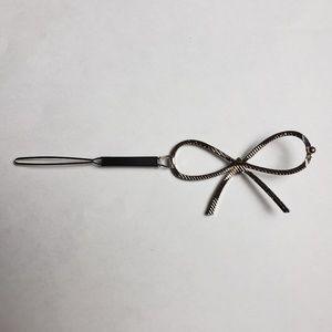 Accessories - Silver Tone Bow Hair Clip Barrette